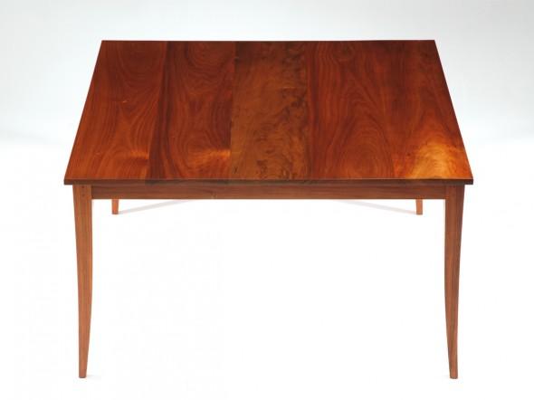 Amanda Table