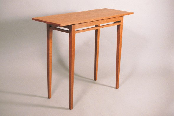 Glasby table